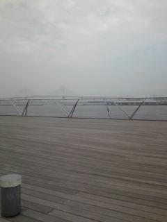 横浜大桟橋にて